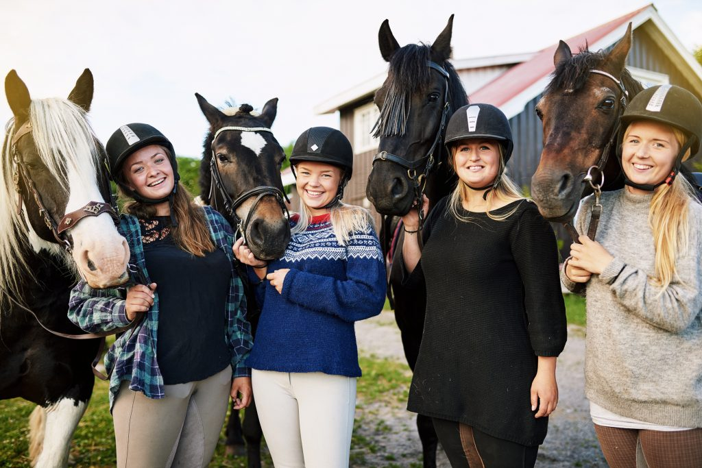 how to select horse riding helmets