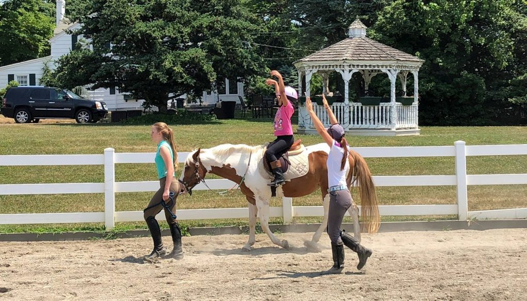 happy tails therapeutic horseback riding new jersey